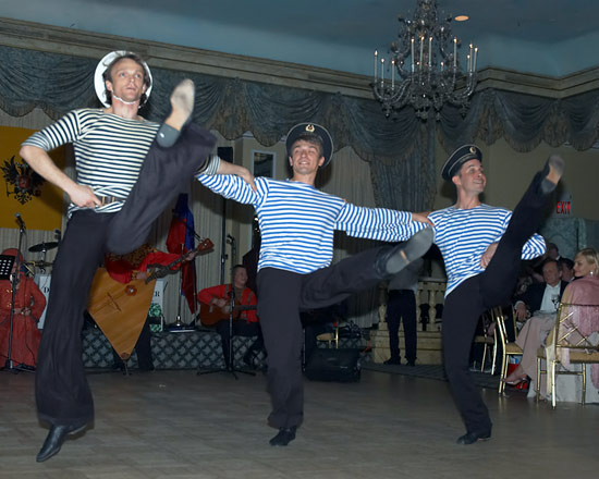 - russian_sailors_dance4