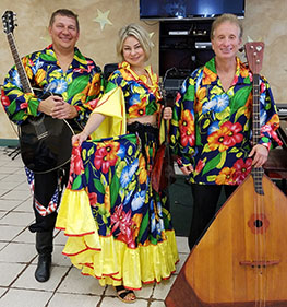 Barynya Balalaika Trio, Mikhail Smirnov, Elina Karokhina, Leonid Bruk, Lakeside Adult Care Center, Brooklyn, New York