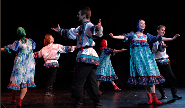 64.jpg Russian costumes for dance Kalinka