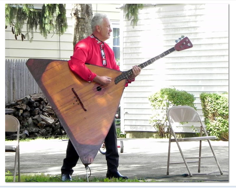Faith Food and Fellowship Festival-2019, August 31st, 2019, Holy Trinity Orthodox Church (East Meadow, New York), 369 Green Ave East Meadow, New York, Russian contrabass-balalaika virtuoso Leonid Bruk, photo credit Ilene Schuss, www.facebook.com/ilene.schuss