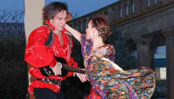 Dancers Olga Chpitalnaia and Ilia Pankratov are performing Gypsy Dance, Atlantic City, New Jersey, August 2009