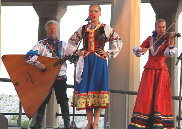 Ensemble Barynya performance in Atlantic City, New Jersey, August 2009
