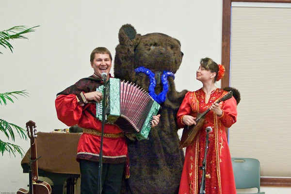 Mikhail Smirnov, Elina Karokhina, Russian dance and music ensemble Barynya, concert in  New Jersey, 2009