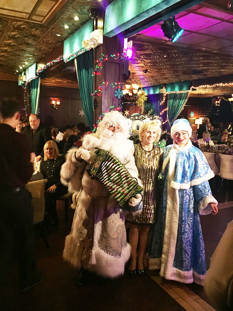 Ded Moroz, Snegurochka, Russian New Year Celebration, Emmons Avenue, Sheepshead Bay, Brooklyn, New York, Дед Мороз, Снегурочка, Эммонс Авеню, Шипсхед-Бей, Бруклин