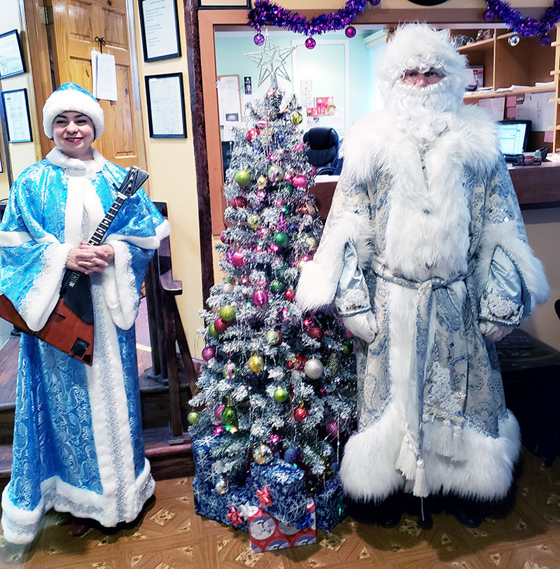New Year 2019 Celebration, Ded Moroz, Snegurochka, Brooklyn, New York, Beautiful Life Social Day Care, Дед Мороз, Снегурочка, Новогодняя ёлка в центре для пожилых людей в Бруклине