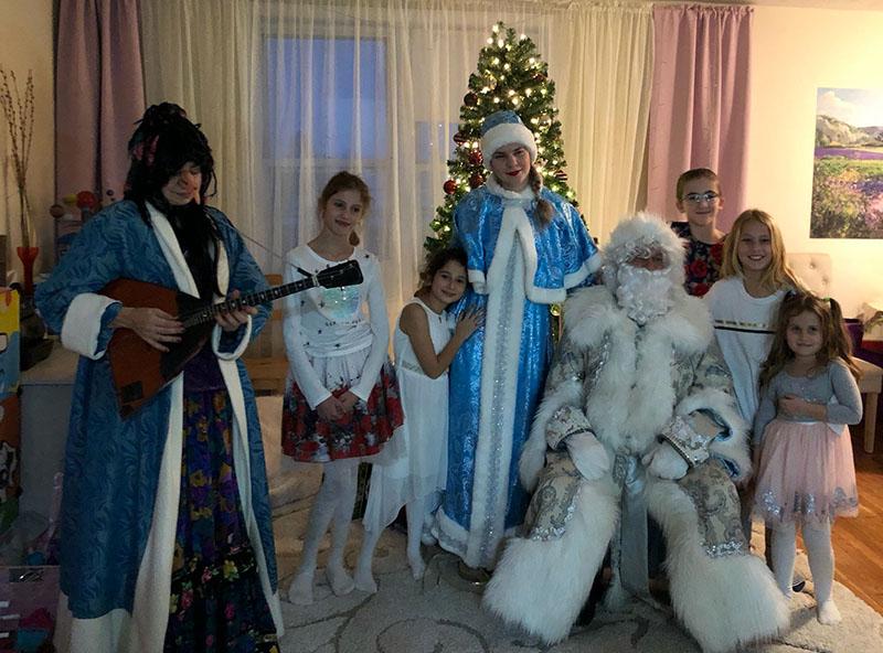 Ded Moroz, Snegurochka, Baba Yaga, Bensonhurst, Brooklyn, New York, Russian New Year's Celebration, Дед Мороз, Снегурочка, Баба Яга