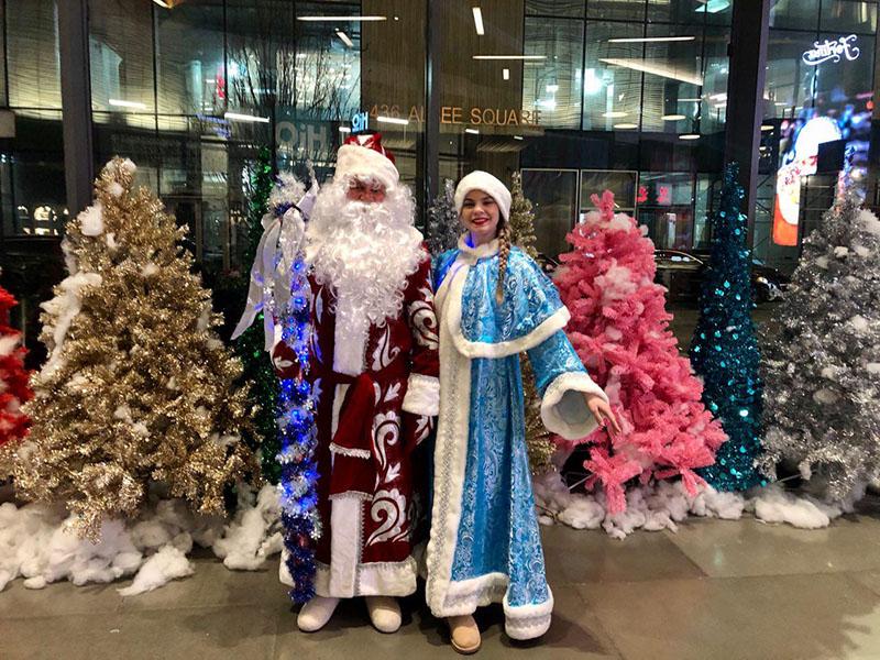 Albee Square, Fulton Mall, Ded Moroz, Snegurochka, Downtown Brooklyn, New York, New Year's Celebration, Дед Мороз, Снегурочка, корпоративный новогодний праздник в Бруклине