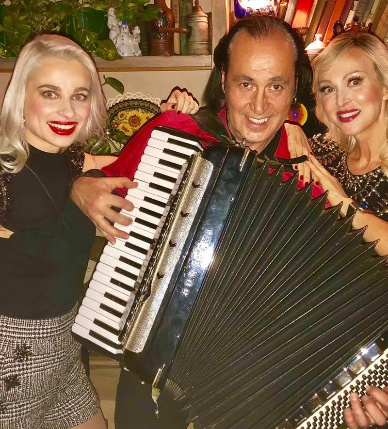 11-11-2018, Sunday, November 11, 2018, NYC Balalaika Band, Andrei Solodenko (accordion), Mari Vanna, New York City, 41 E 20th St, New York, NY 10003