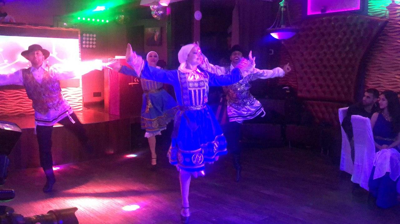 Jewish Dancers, Bat Mitzvah party, Restaurant La Vue, Brooklyn, New York