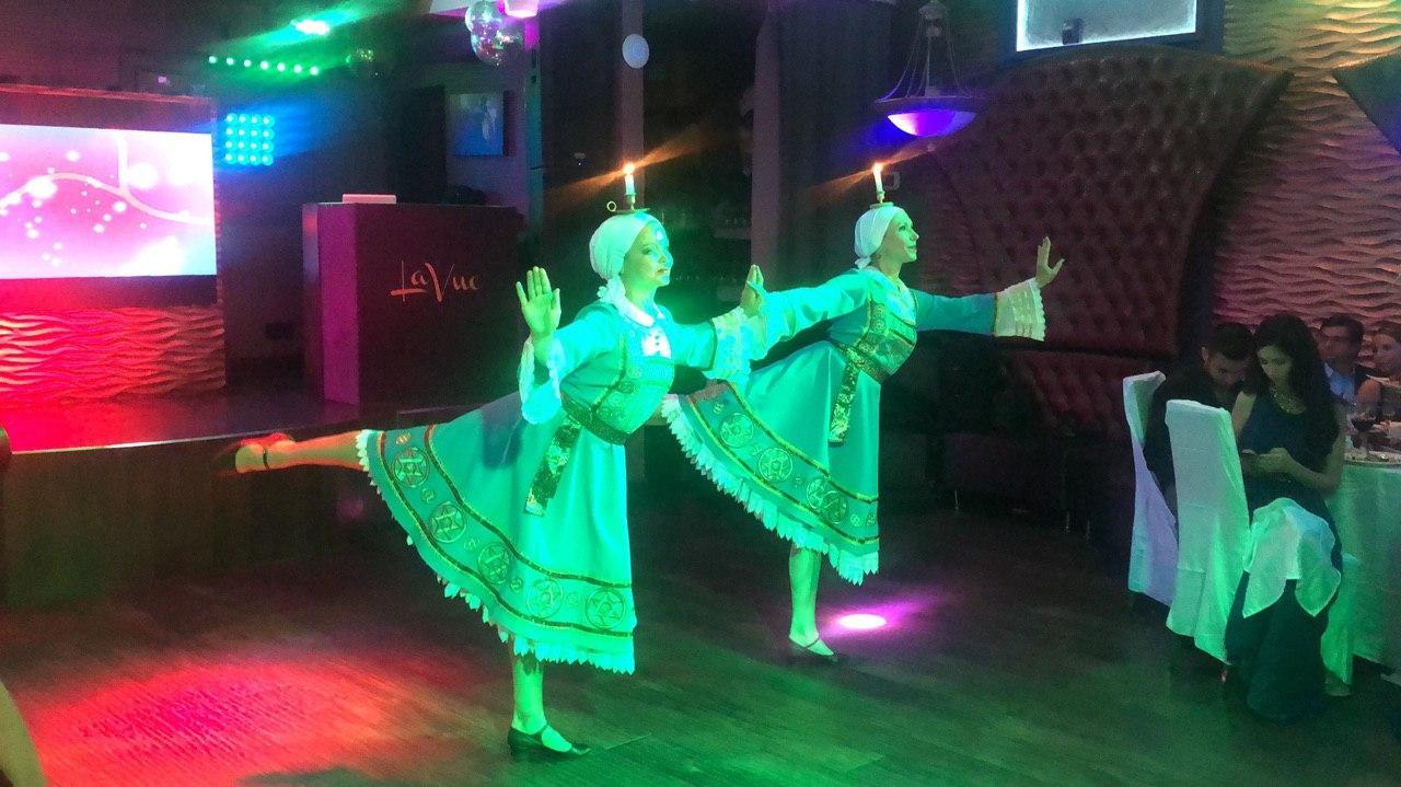 Jewish Dancers, Bat Mitzvah party, Restaurant La Vue, Brooklyn, New York