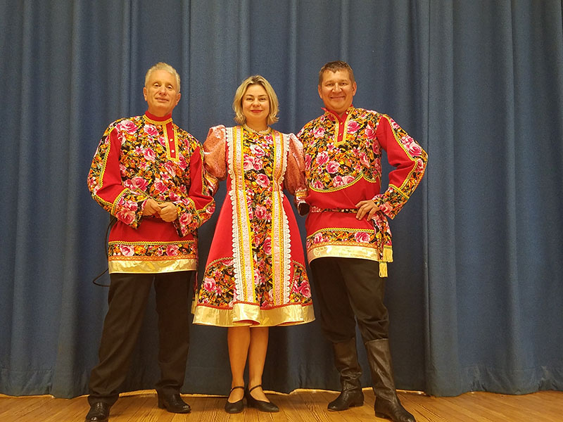 Russian Balalaika Trio, Leonid Bruk, Elina Karokhina, Mikhail Smirnov, Rodgers Forge Elementary School, 250 Dumbarton Rd, Baltimore, MD  21212, Thursday, September 28, 2017, 09-28-2017