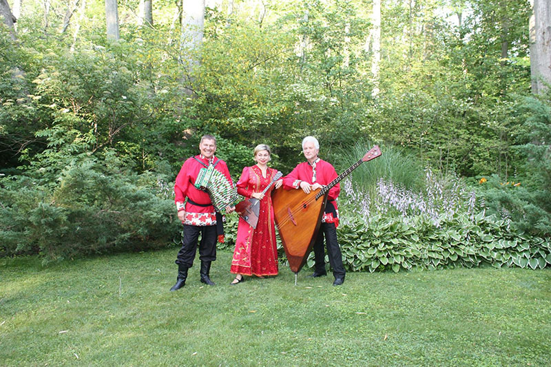 07-12-2015, Leonid Bruk, Elina Karokhina, Mikhail Smirnov, Barynya Russian Balalaika Trio, Home concert in Holland, Michigan, Sunday, July 12th, 2015