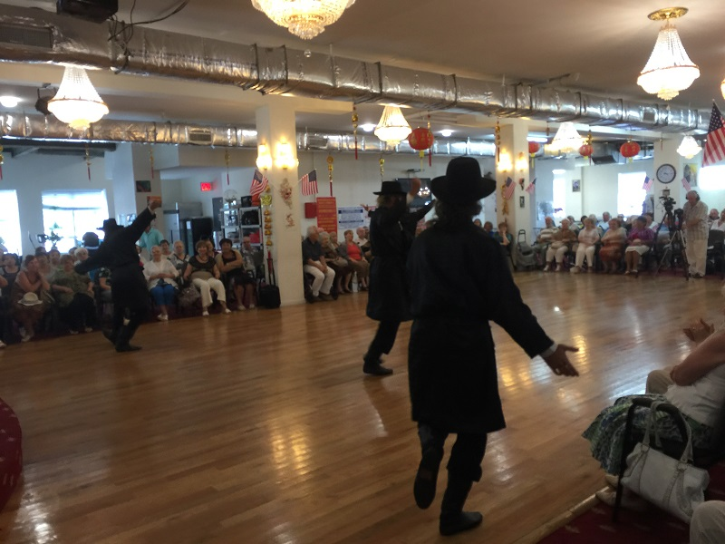 Концерт в русско-еврейском общественном клубе в Бруклине, штат Нью-Йорк, Bottle Dancers USA, Russian-Jewish Social Club, Brooklyn, New York, 2444 86th Street in Brooklyn, New York  11214