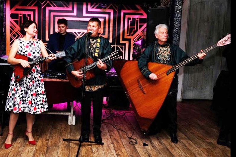 Gambrinus & Co 3100 Ocean Pkwy Brooklyn NY 11235, Barynya Balalaika Trio, Mikhail Smirnov, Elina Karokhina, Leonid Bruk, photo credit Ilya Solis