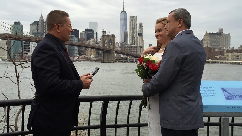 12-21-2015, Monday, December 21st, 2015, Russian Wedding Minister Mikhail, Russian wedding officiant Mikhail, wedding ceremony, Brooklyn Bridge, New York City